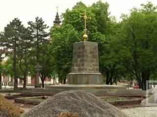 В Кривом Роге под монументом Ленина обнаружили остатки храма, построенного 250 лет назад