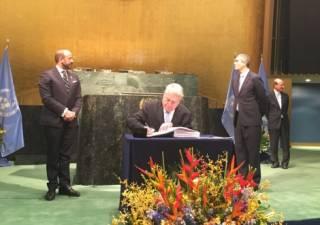 Украина подписала Парижское соглашение о борьбе с изменением климата