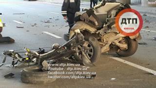 В жутком ДТП в Киеве автомобиль разорвало на мелкие кусочки