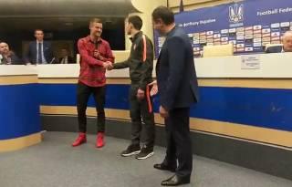 В сборной Украины снова воцарила дружба. Лидеры команды помирились