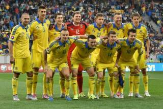 Фоменко огласил список избранных, которые будут готовиться на Евро-2018. Правда, троих придется отсеять