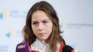 Нам ничего не говорят, мы не знаем, что там происходит /Вера Савченко/