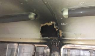 В оккупированном Донецке молния пробила крышу трамвая и опалила волосы пассажирке