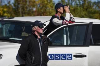 Наблюдатели ОБСЕ попали под минометный обстрел