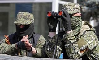 Боевики стягивают живую силу в Донецк, а также маскируют танки