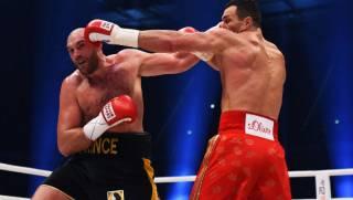 Бой-реванш между Кличко и Фьюри отложен из-за травмы британца