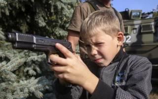 Боевики ДНР и ЛНР вербуют подростков для «живого щита»