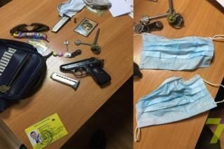 На вокзале в Одессе охранник горсовета напал на проводницу