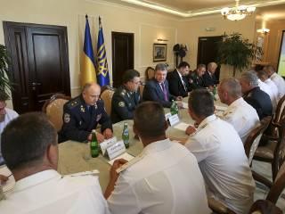 Порошенко окончательно назначил крымского офицера, оставшегося верным Украине, командующим ВМС