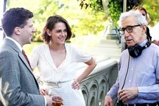 Кинокритик Филатов представил обозрение новой комедии Вуди Аллена «Светская жизнь»