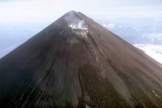 Самый мощный вулкан Аляски может проснуться в любой момент