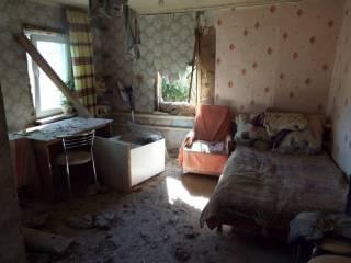 В Сети появились жуткие фото последствий обстрела Станицы Луганской террористами ДНР