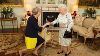Премьер-министром Великобритании второй раз в истории стала женщина