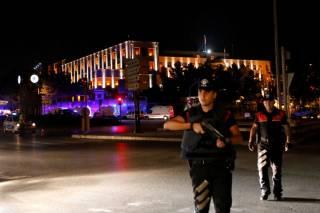 Военный переворот в Турции. Глава Генштаба взят в заложники
