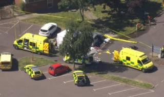 В Англии неизвестный открыл стрельбу у бассейна. Три человека погибли