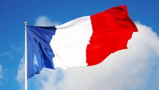 Режим ЧП во Франции продлен на полгода