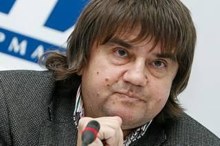 Карасев: Яценюк пока в игре и игра эта еще не закончена