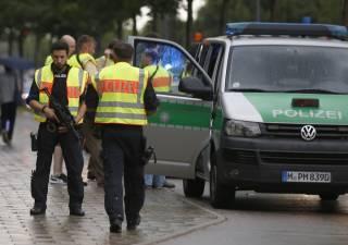 В результате стрельбы в Мюнхене погибли шесть человек. Поговаривают о теракте