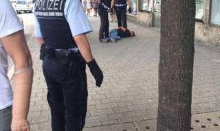 В Германии мужчина с мачете напал на прохожих. Погибла женщина, есть раненые