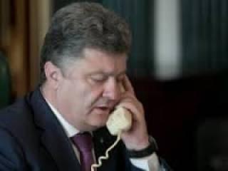 Порошенко пожаловался Олланду и Меркель на постоянное нарушение Россией Минских договоренностей