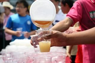 Ученые придумали, как поить людей мочой под видом пива
