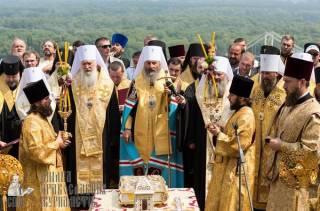 Трансляция молебна и крестного хода УПЦ в Киеве собрала у экранов 4,5 миллионов телезрителей