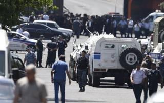 В Ереване освобождены заложники-медики