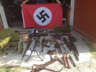 На Херсонщине нашли арсенал оружия и нацистские флаги