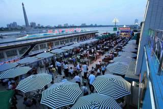 В КНДР стартовал первый в истории страны фестиваль пива