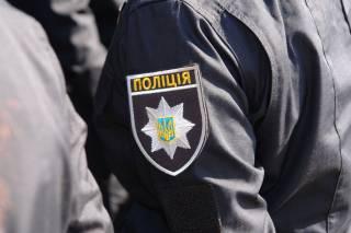 В Николаеве «смелые» полицейские решили не мешать пьяным дебоширам избивать прохожих