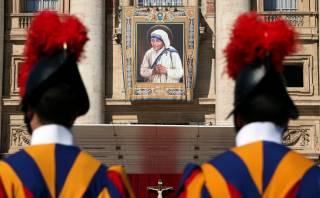 Ватикан торжественно канонизировал мать Терезу