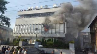 В Киеве подожгли здание телеканала «Интер»