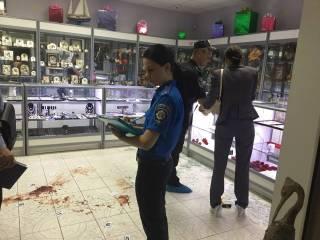 В Киевском спальнике цинично ограблен ювелирный магазин