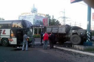 В Макеевке в ДТП попали пассажирский автобус и грузовик