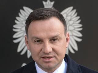 Кто прячется за спиной президента Польши...