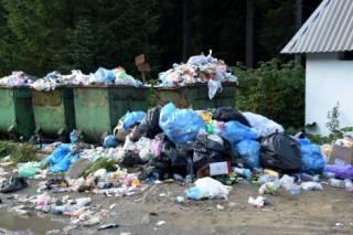 Туристы превратили подножие Говерлы в свалку