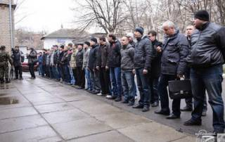 В России проводится «принудительно-добровольная» мобилизация для отправки на Донбасс