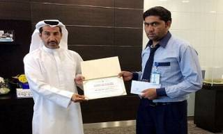 В ОАЭ таксист вернул пассажиру забытые $500 тыс