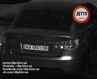 В Киеве водитель сбил на «зебре» ребенка и скрылся