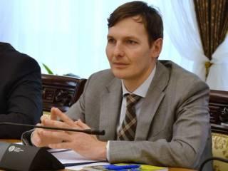 Замгенпрокурора Евгений Енин: Часть дела Лазаренко банда Януковича вывезла за несколько дней до революции