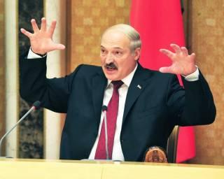 Лукашенко обещает не ехать в Украину на танках
