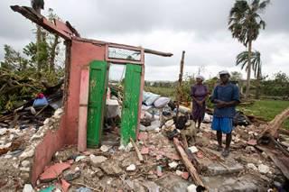 Ураган «Мэтью» забрал уже почти полтысячи жизней