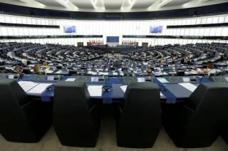Европарламент не будет думать над безвизом для Украины в октябре