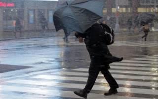 На Киев надвигается шторм. Спасатели предупреждают об опасности