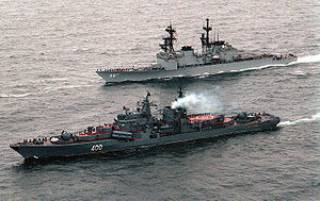 У берегов Йемена обстреляли американский эсминец