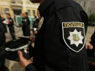 В центре Киева неизвестный толкнул иностранца в витрину ювелирного магазина