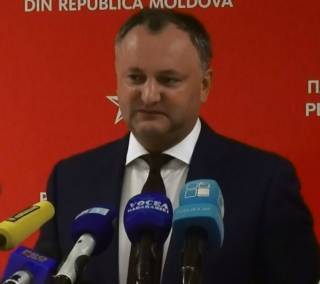 Лидер президентской гонки Молдовы «подарил» Крым России
