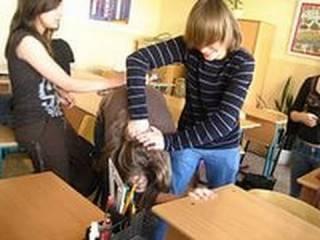 Чиновники решили детей с задержкой развития запихнуть в обычные школы