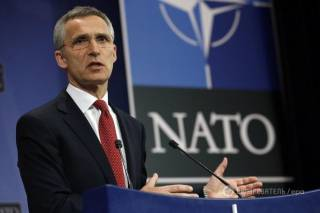 Столтенберг: Россия продолжает дестабилизировать восток Украины