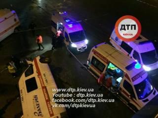 Ночью в Киеве попала в ДТП «скорая». Есть жертвы